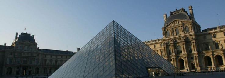 team building Louvre